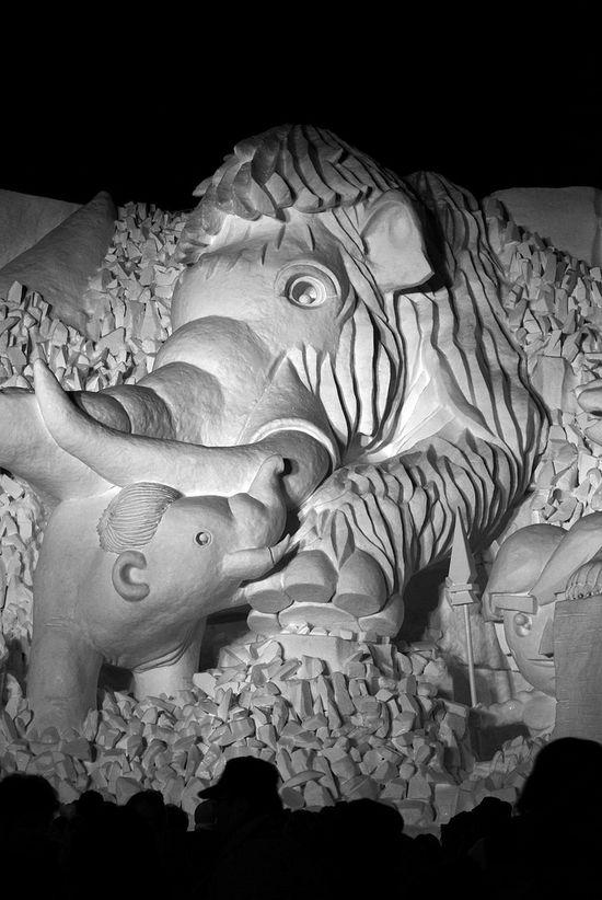 sculptura-gheata-peace