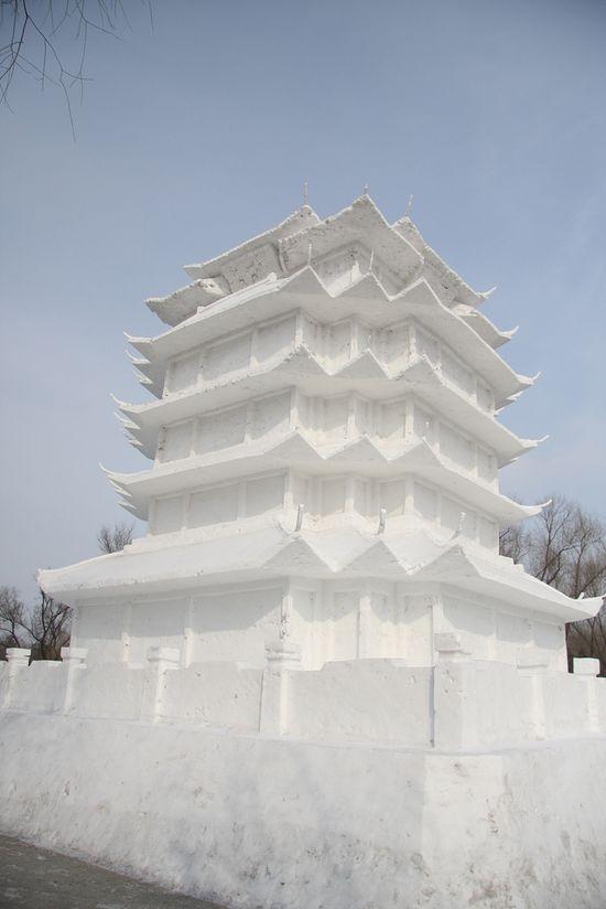 sculptura-gheata-turn-china