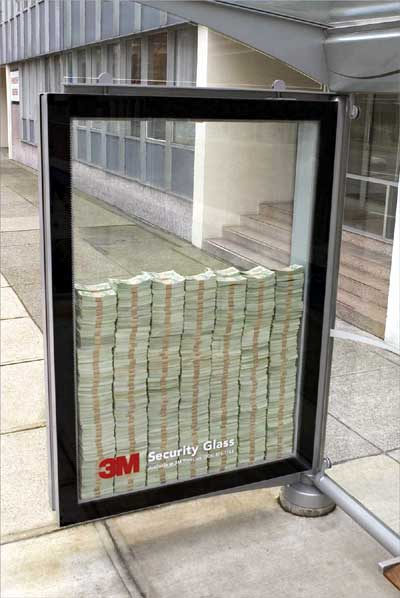 Bani si protectie