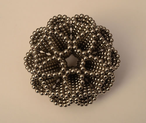 sculpturi-sfere-magneti-neomydium-2