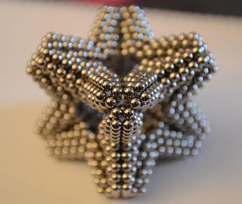 sculpturi-sfere-magneti-neomydium-3