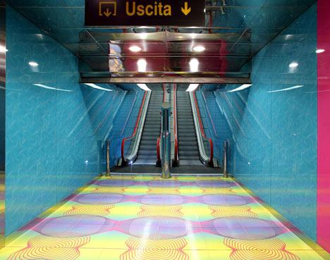 Karim-Rashid-statie-metrou-dezeen-design-3