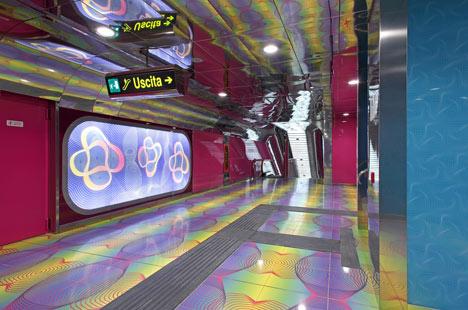 Karim-Rashid-statie-metrou-dezeen-design-4