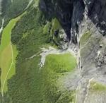 wingsuit-basejump-salt-in-gol-planare-katie-hansen