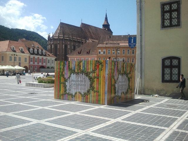 cutie-misterioasa-piata-sfatului-brasov-16-iunie-2012-18-30