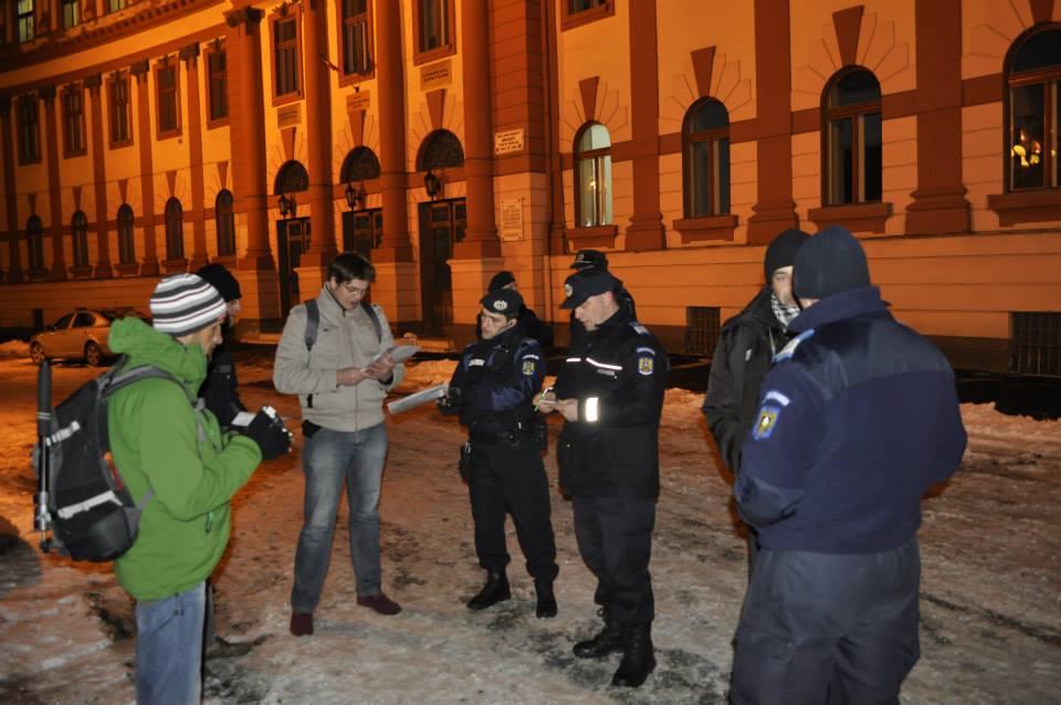 miting-protest-impotriva-legii-parlamentarilor-corupti-brasov-11-decembrie-2013-prefectura (3)