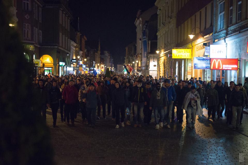 proteste-brasov-16-nov-2014-jos-ponta-klaus-presedinte (2)