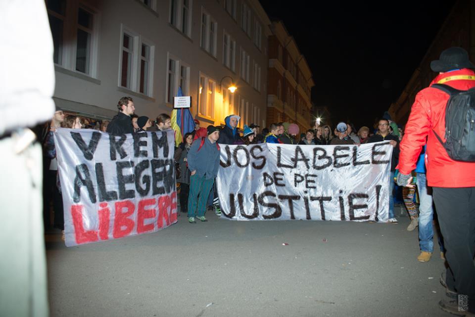 proteste-brasov-16-nov-2014-jos-ponta-klaus-presedinte (4)